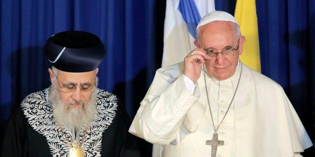 Yitzhak Yosef, rabbino capo d'Israele, ha chiamato i neri