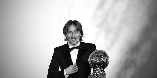 Luka Modric vince il Pallone d'oro 2018. Dalla guerra alle Champions League, fino al Pallone