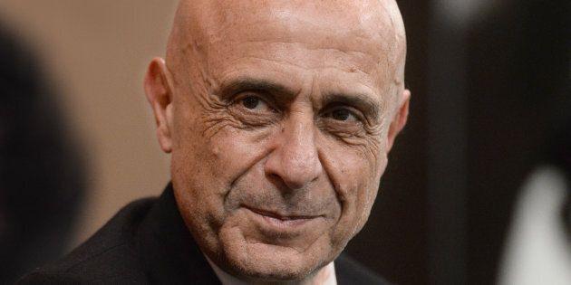 Primarie Pd, Marco Minniti torna a riflettere. Candidatura in
