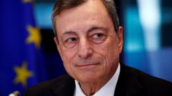 La Bce lascia i tassi d'interesse invariati per un altro anno. E conferma la fine del bazooka a fine