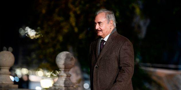 Haftar arriva a Roma, potrebbe dare il via libera al ritorno dell'ambasciatore Perrone a