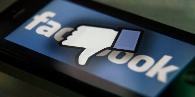 08eafdabe0 Tonfo di Facebook a Wall Street, bruciati 120 miliardi. E Trump attacca