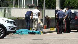 Uccide 39enne in strada con 5 colpi di pistola. Poi si