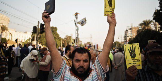 L'Egitto condanna a morte 75 manifestanti