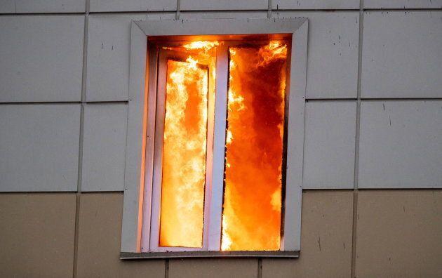 Inferno di fiamme in un centro commerciale in Siberia, almeno 64 morti, tra le vittime decine di