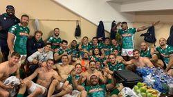 Il compagno ha un tumore: i Leoni del Benetton Rugby rasano la cresta per