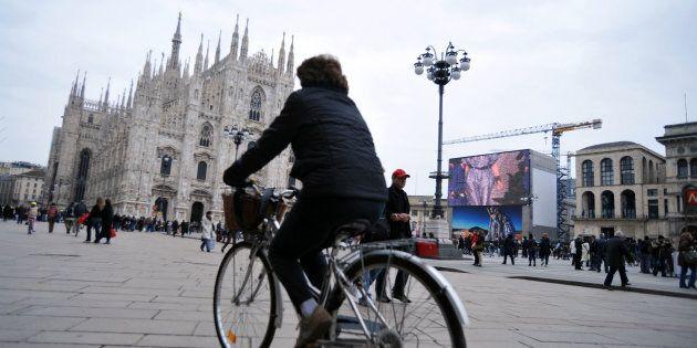 Inquinamento, nel Nord Italia è allarme smog: da Milano a Bologna blocchi auto fino a