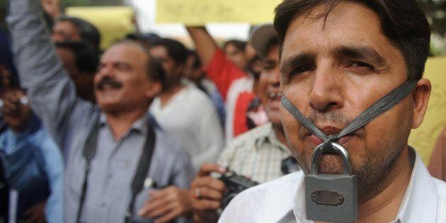 Saleem, giornalista ucciso in Pakistan, da 7 anni senza giustizia. Un appello per riaprire il
