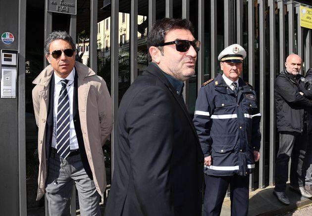 Max Giusti alla camera ardente di Fabrizio