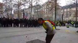 Protestava a braccia aperte davanti alla polizia, gilet giallo colpito da un proiettile di