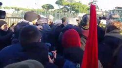 Potere al popolo contro il segretario del Pd di Roma Andrea Casu: