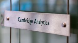 Le radici del dataclisma: Cambridge Analytica e