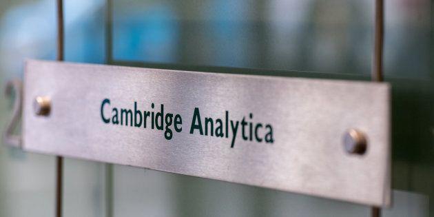 Le radici del dataclisma: Cambridge Analytica e