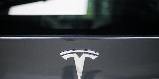 Tesla affonda a Wall Street per l'indagine Usa sull'incidente mortale del Model