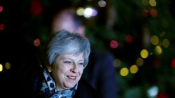 Theresa May respinge l'assalto dei