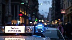 Venditore ambulante ferito a Napoli, la comunità senegalese scende in