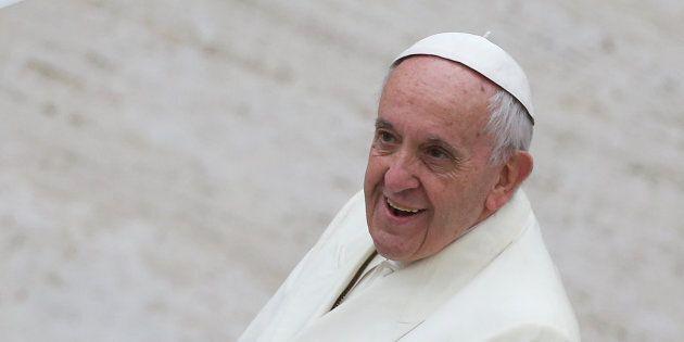 Vaticano, tra Scalfari e Papa Francesco una conversazione privata, non