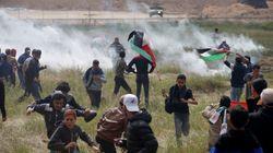 Il giorno della Grande marcia. Migliaia di palestinesi protestano al confine tra la Striscia e Israele: diversi