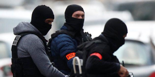 Strasburgo, blitz della polizia nel quartiere di