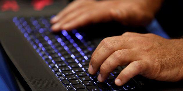 Ai pm antiterrorismo della Procura di Roma l'inchiesta sugli attacchi troll a