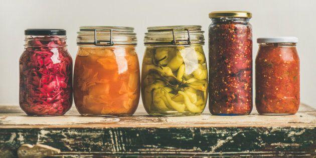 Cibi fermentati: cosa sono e perché fanno bene alla