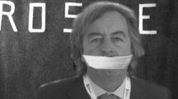 Nuovo attacco no-vax a Burioni: imbavagliato come Aldo