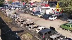 Ecco cosa resta delle auto travolte dall'esplosione del tir a Borgo