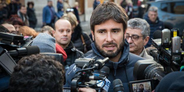 Alessandro Di Battista tra ammissione e reazione: