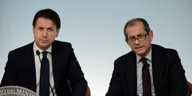 Parlamento in stallo sulla manovra: ora l'Italia aspetta