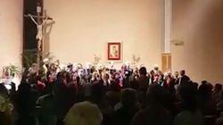 Il coro canta