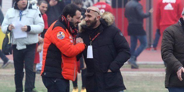 Salvini sulla stretta di mano con l'ultrà condannato del Milan: