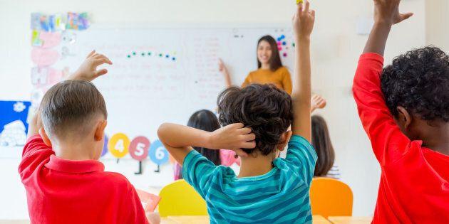 Rapporto Unesco, l'integrazione dei bambini migranti passa per la