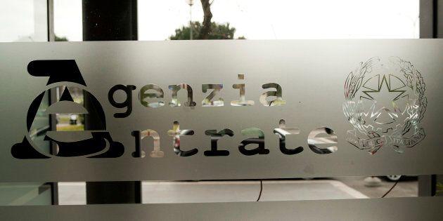 Il Cdm nomina un generale della Gdf come nuovo direttore dell'Agenzia dell'Entrate (dovrà fare la pace