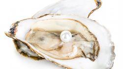 Ordina piatto di ostriche da 13 euro e ci trova una perla che ne vale circa