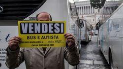 Dopo Ncc e taxi, tocca ai bus turistici prendere in ostaggio Roma, caos a Piazza