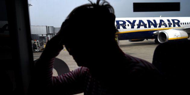 Il Giudice di Pace di Brindisi ha condannato Ryanair a risarcire un padre e un figlio per il ritardo...