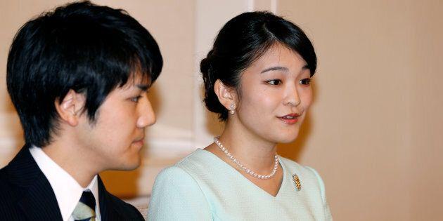 Alla principessa Mako non basta rinunciare al titolo per sposare un comune cittadino: la suocera ostacola...