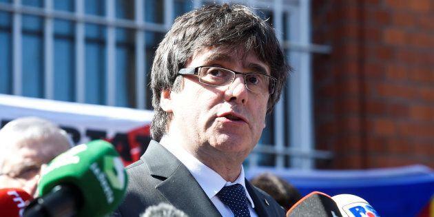 Carles Puigdemont esce dal carcere tedesco su cauzione.