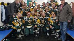 Squadra di hockey giovanile coinvolta in un incidente in Canada: almeno 14