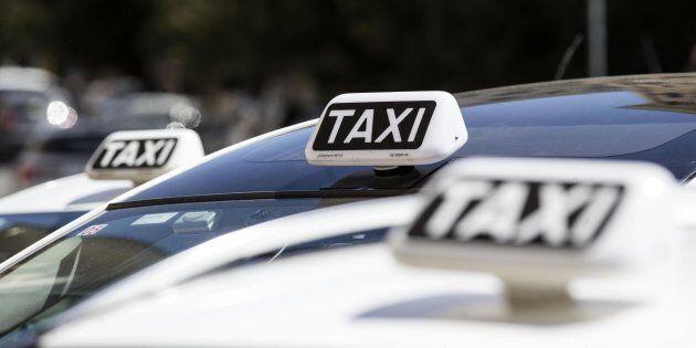 Caos sugli Ncc a Roma, i tassisti bloccano il servizio a Termini e