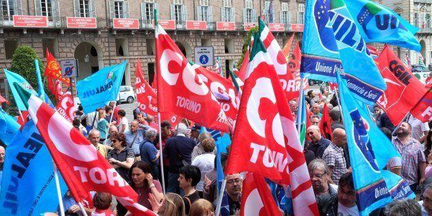 I sindacati contro la manovra: