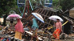 Tsunami in Indonesia, il bilancio si aggrava: almeno 373 morti, 128 dispersi, 11mila