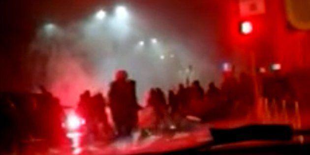 Gli scontri con mazze e catene e l'investimento del tifoso nerazzurro: cosa è successo a Milano prima...