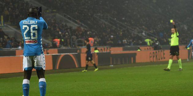 Stessa sanzione per Koulibaly e tifosi: due giornate di squalifica al difensore, due turni a porte chiuse...