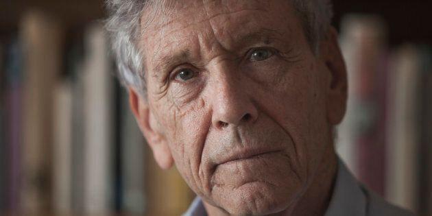 Amos Oz è morto. Lo scrittore, 79 anni, era una voce di pace in