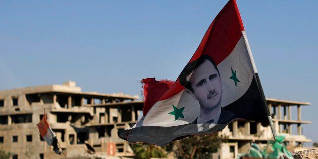 L'effetto-Trump in Siria fa scoppiare la pace tra gli ex nemici: ora i Curdi si affidano ad Assad contro...
