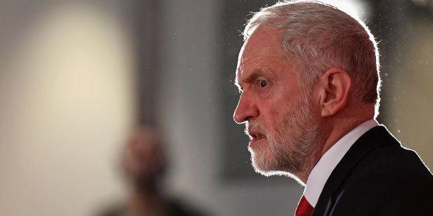 Laburisti israeliani sospendono i rapporti con Corbyn: