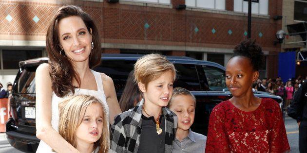 Jolie deve far vedere di più i figli a Pitt: la decisione del
