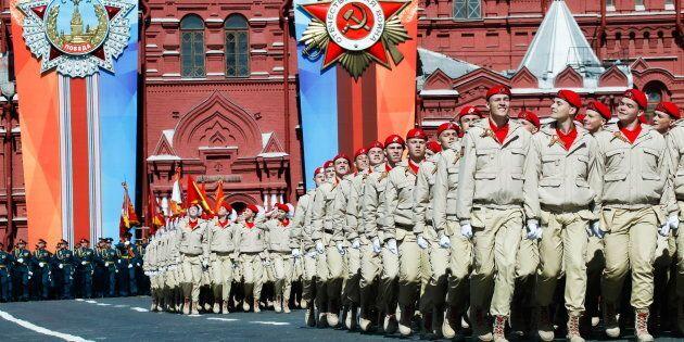 La Russia addestrati piccoli soldati: chi sono i 300mila cadetti della