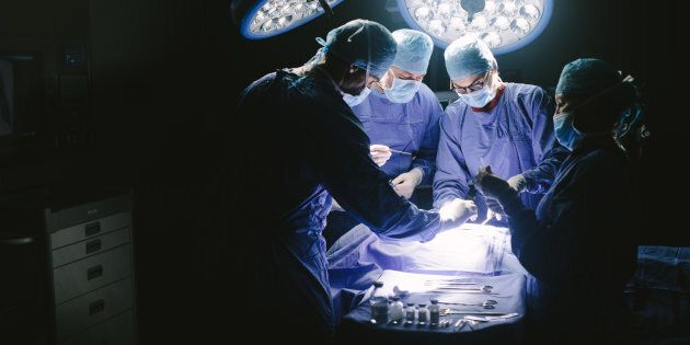 Operato di ernia 3 volte in 15 giorni: rimane invalido a 45